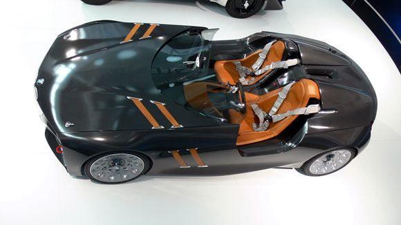 Музей БМВ - BMW 328 Hommage Concept – продукция 2011 года, супер-кар, гоночный автомобиль.