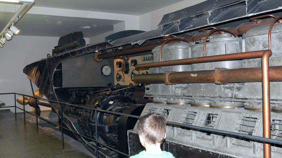 Немецкий Музей - Уникальная подводная лодка U-1, 1906 г., прошедшая Первую мировую войну