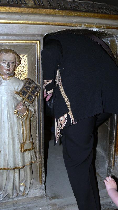 Экскурсия в Бамберг. Церковь Св. Михаэля, лаз для паломников в памятнике Св. Отто.