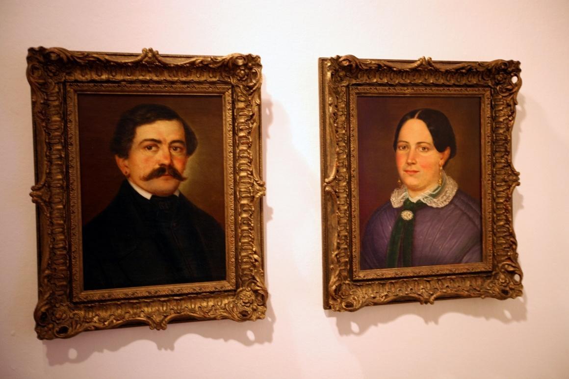 Дахау, Бавария. Bezirksmuseum. Портреты семьи местных жителей, XIX век.