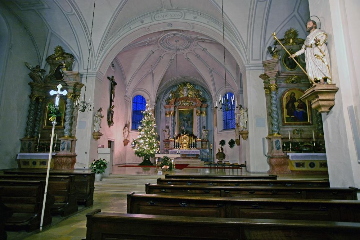 Дахау, Бавария. Рождественское убранство церкви Св. Якова.