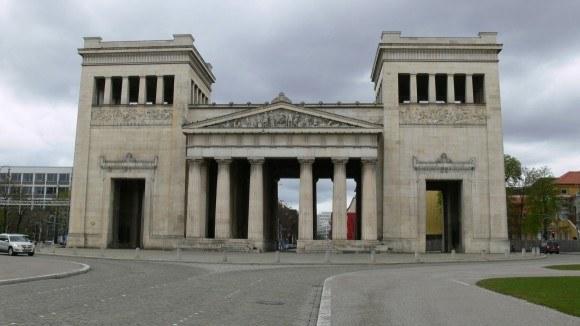Мюнхен. Музейный квартал. Пропилеи.