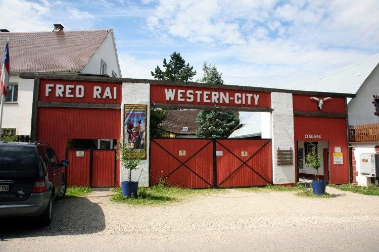 western 01 city