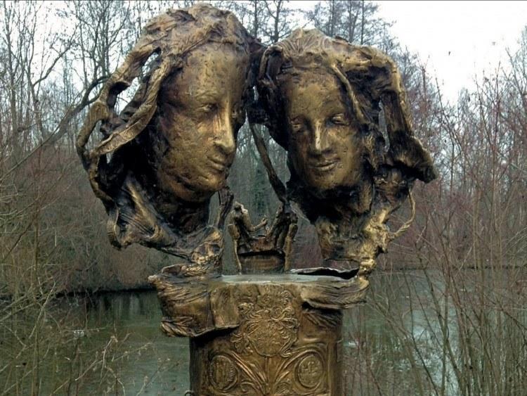 Памятник любви Альбрехта и Агнес