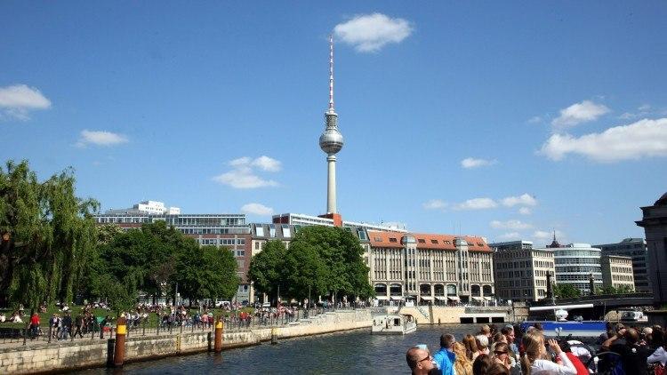Берлинская телебашня (высота 368 метров)