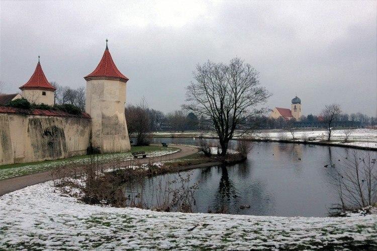 Окрестности замка Блютенбург
