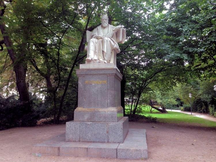 Макс Йозеф фон Петтенкофер
