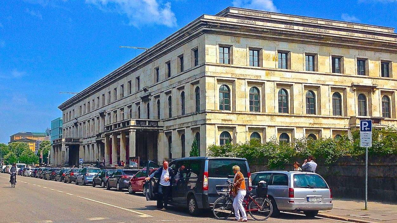 Мюнхенская высшая школа музыки и театра
