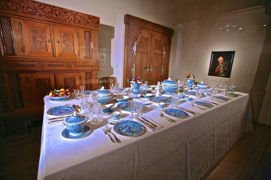 Обеденный стол князя Пфальц-Нойбурга. XVIII век.